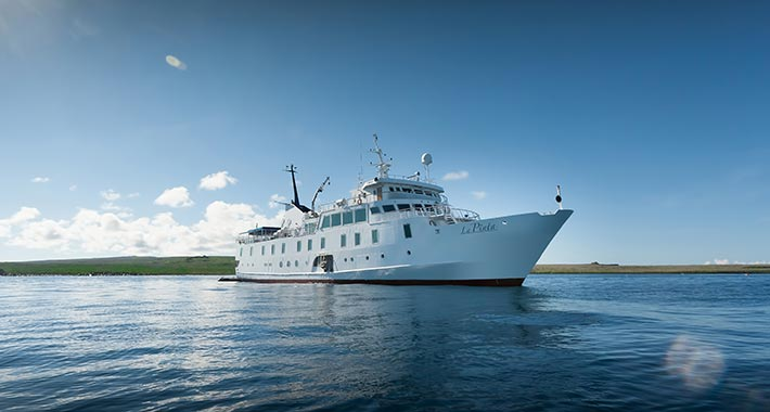 Catamaran vs. Single-Hull Expedition Vessel: What difference does it really make in Galapagos?