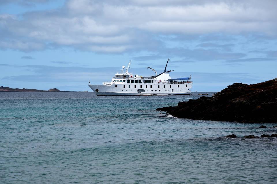 Yacht La Pinta, expedition vessel