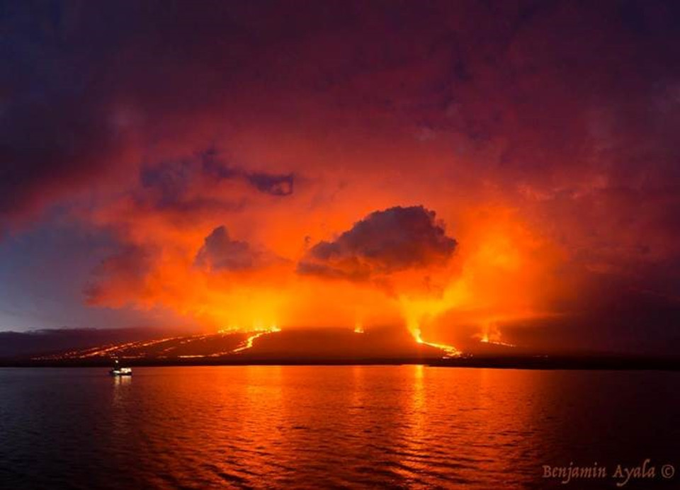 Galapagos volcano eruption
