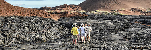 Multiguided tours at the Galapagos Islands with Yacht La Pinta