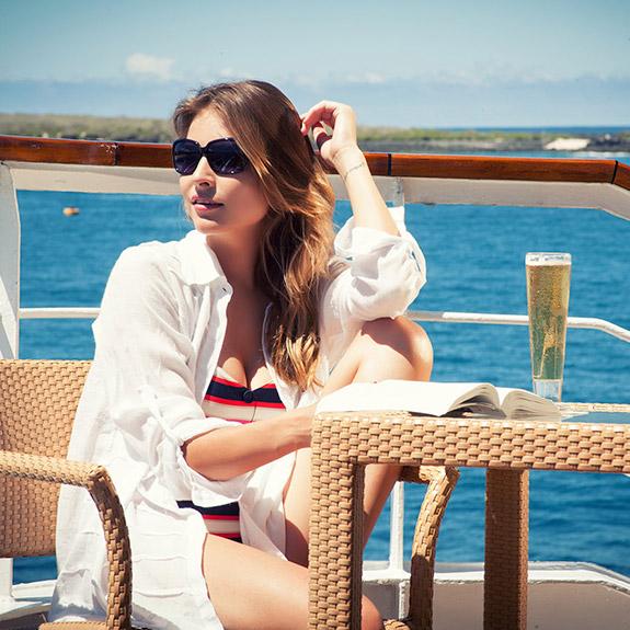 Outer Deck, Yacht La Pinta