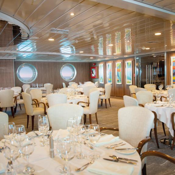 Yacht La Pinta restaurant