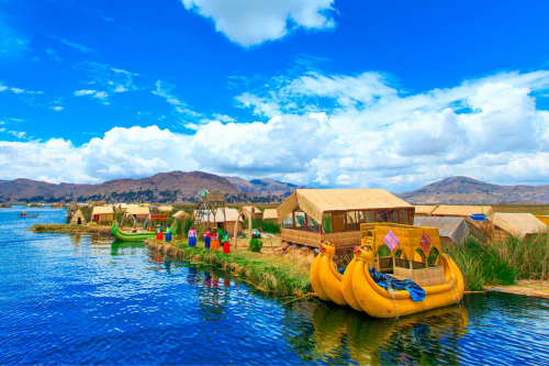 Island Lake Titicaca tour in Peru