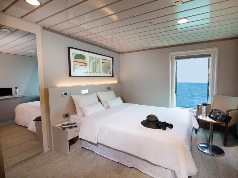 Yacht La Pinta luxury interconnected rooms